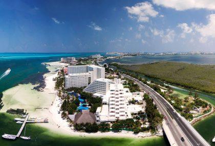 Water activities in Cancun