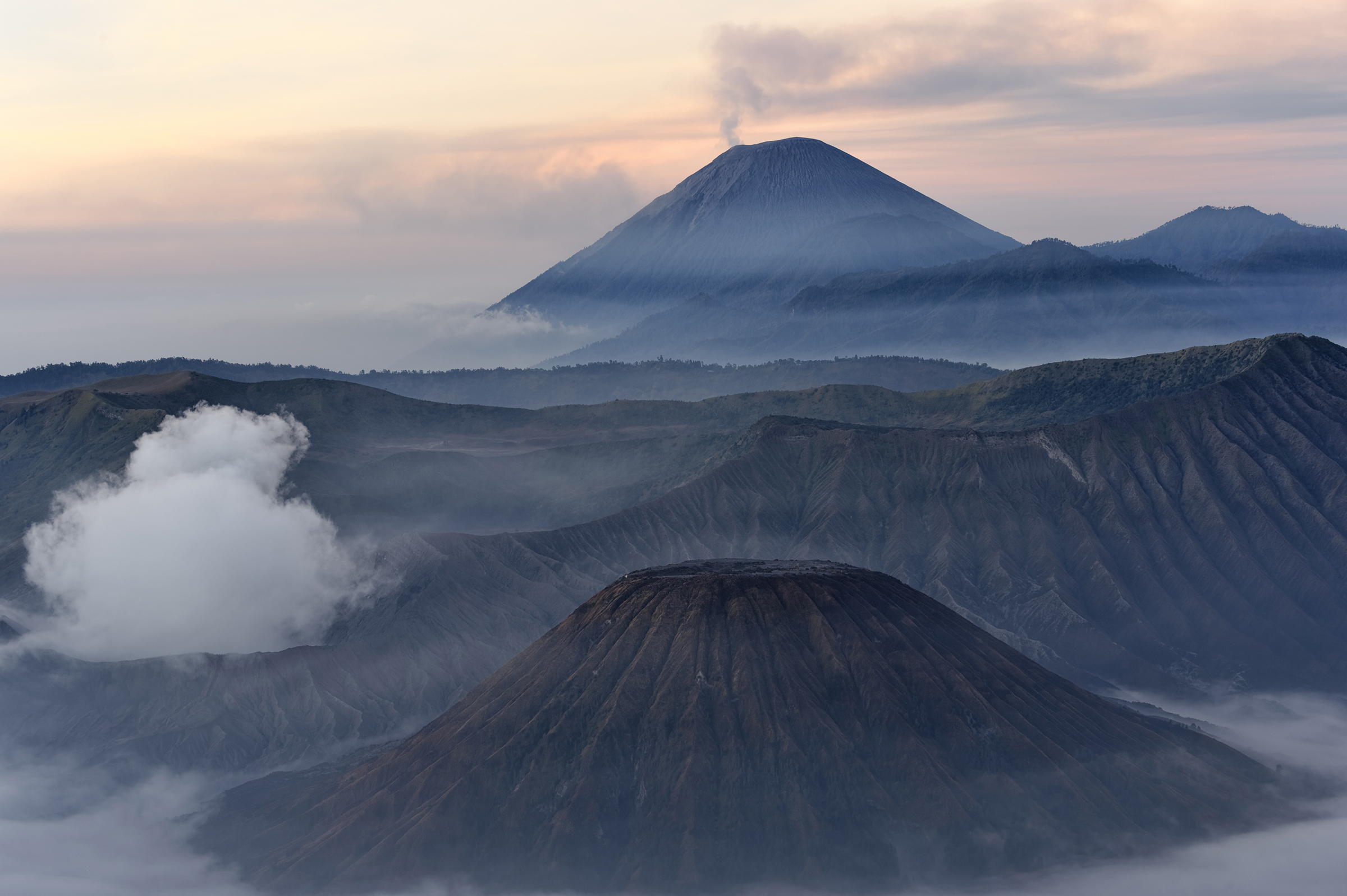 Scalata del vulcano Indonesia