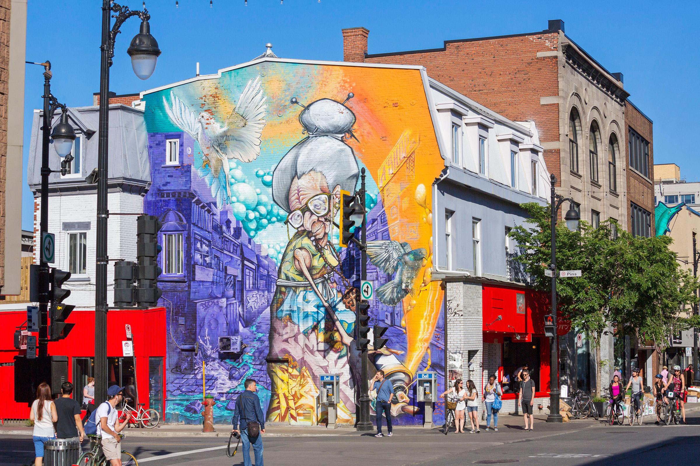 Montreal Canada StreetArt contro Architecture