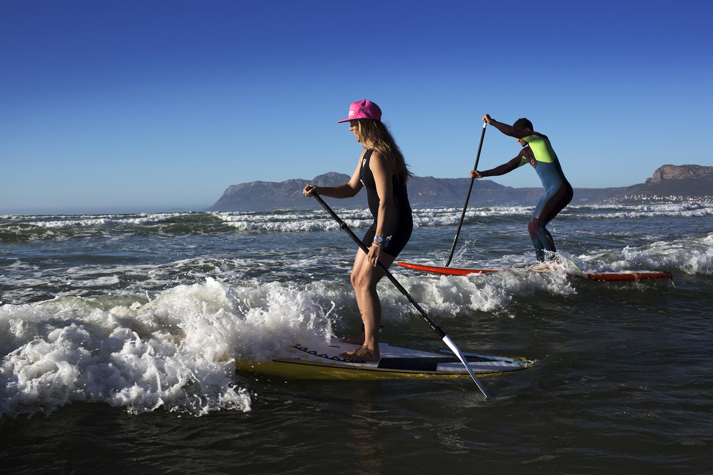 A 25 minutos de Ciudad del Cabo Surf de remo stand-up paddle SUP y surfear en Muizenberg