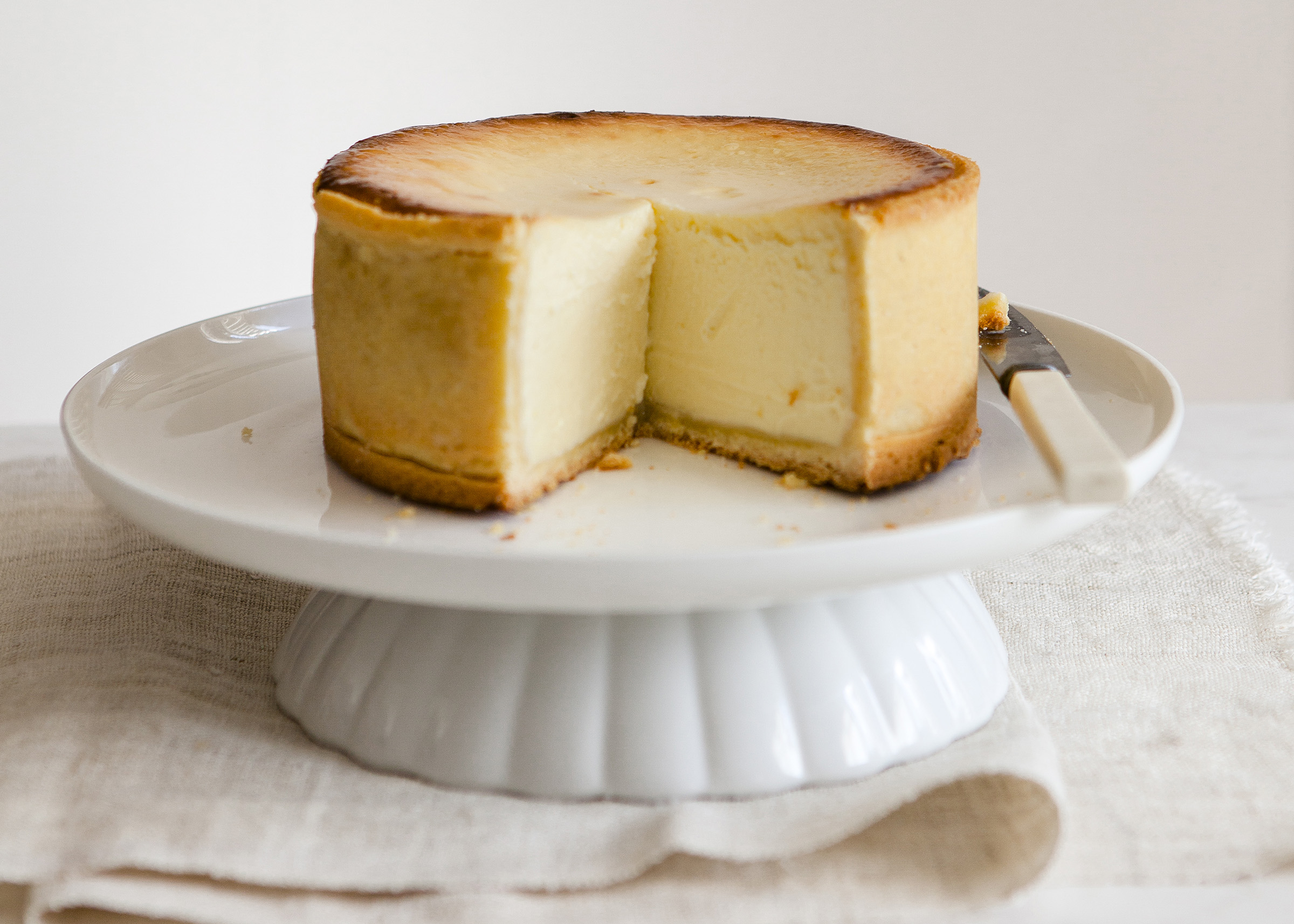 Cake Classic cheesecake tangy and sweet with a velvety smooth