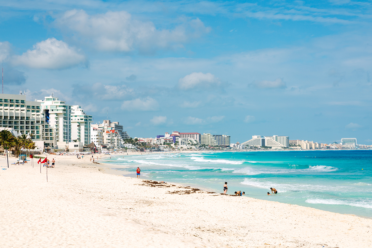 Sandy beaches in Cancuns Hotel Zone