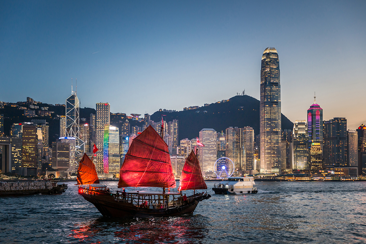 The Dukling and the glittering Hong Kong cityscape